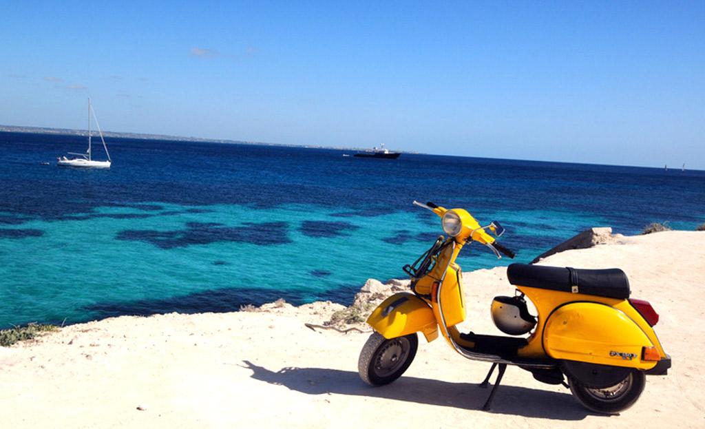 noleggio-scooter-biciclette-auto-monopattini-favignana-egadi